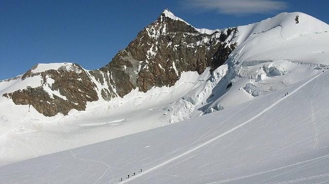 Alpinisme les 4000 du Mont Roses avec les guides des Arcs