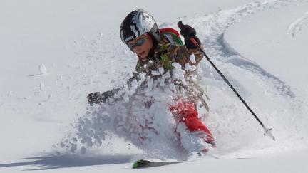 Ski hors piste en famille