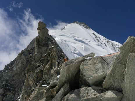 Vue sur la partie haute de l'arête est du weisshorn.
